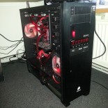 And my frontpanel with XSPC reserviour and Lamptron FC v3 6 fan controller :).